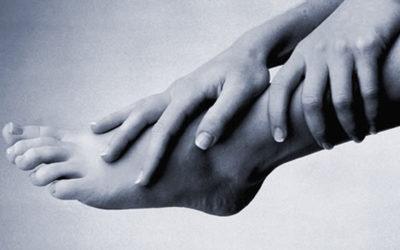 Masaje en los pies (masaje podal) y reflexología podal